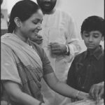 23 August 1994 - Phoolan Devi Rakhi on Ram Villas Paswan at his House - HT Photo by Sanjay Sharma.